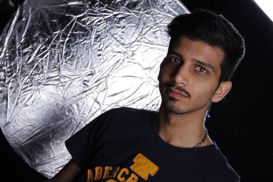 گرافیست محسن آقاجانی
